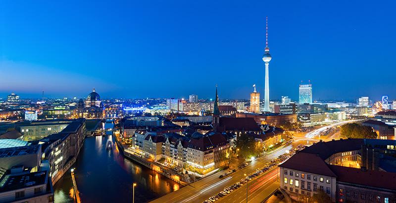 Vorstand reist zu politischen Fachgesprächen nach Berlin